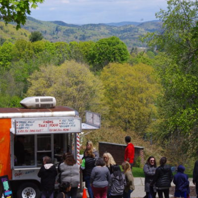 Foodtrucks visit Winston Prouty Campus this summer